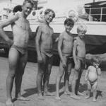 Jean Pierre Maurin, Yves Marie Maurin, Patrick Maurin (Dewaere), Dominique Maurin (Collignon) et le petit Jean François Maurin (Vlérick)